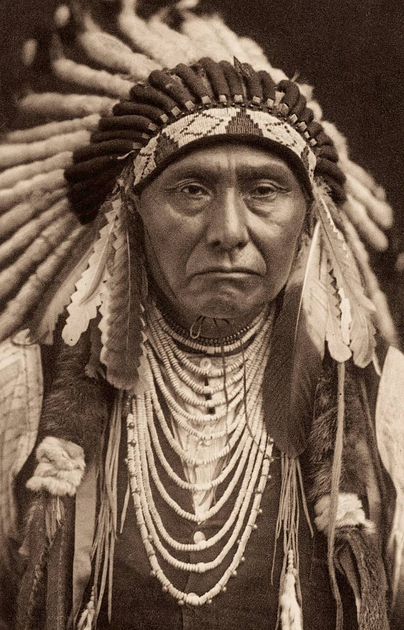 «Joseph – Nez Perce» Edward S. Curtis, Fotogravur, 1903, Charles Deering McCormick Library of Special Collections, Northwestern University Libraries