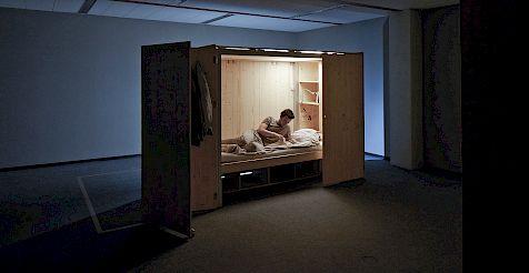 wohnen auf kleinstem raum mini units als l sung der globalen urbanisierung gewerbemuseum. Black Bedroom Furniture Sets. Home Design Ideas